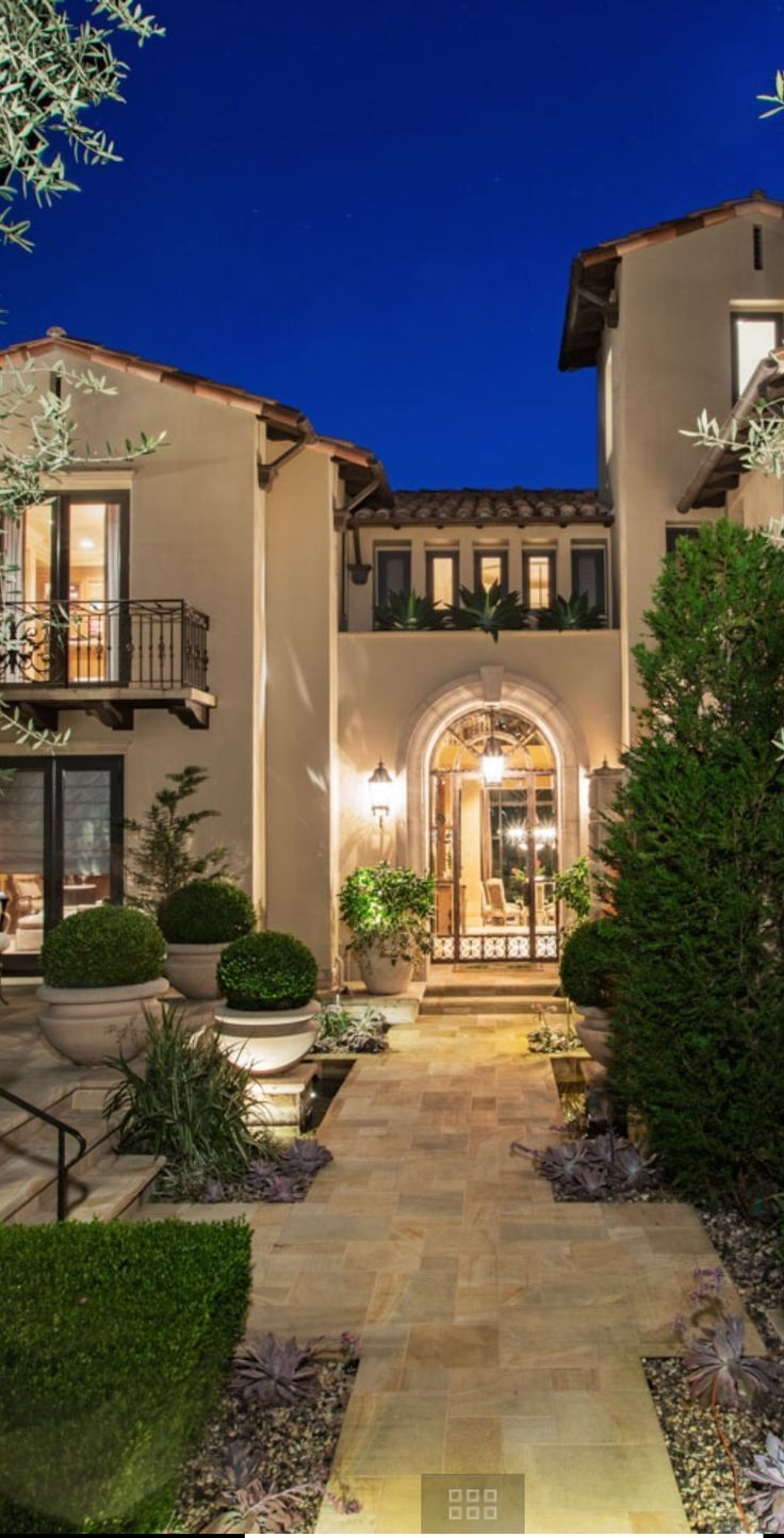 Mediterranean Home Decor, Italian Home Decor, Mediterranean Architecture,  Spanish Home Decor, Spanish