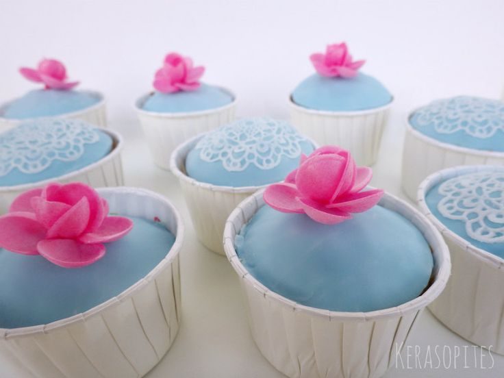 Κερασόπιτες: Ατομικά κεκάκια με ζαχαρόπαστα (βρώσιμα σεμεδάκια)...