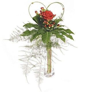 Flower arrangements bud vases pinterest fleur et compositions florales for Comcomposition florale saint valentin
