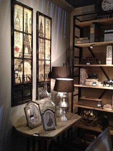 La decoración vintage e industrial de Dialma Brown / lighting / decor / ideas