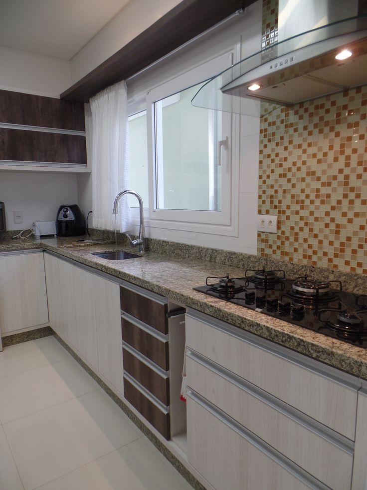 Bancada de cozinha em granito claro v rios for Granitos colores claros