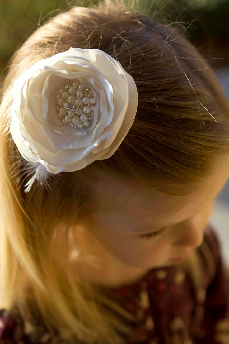 White Hair Flower with Vintage Faux Pearl Centerpiece.