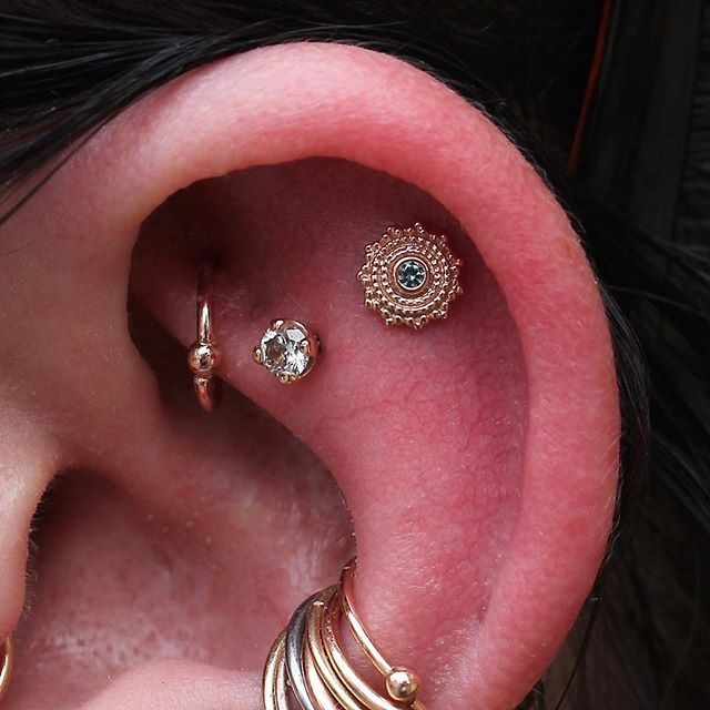 Gold & diamonds. #rook #conch #helix #conchhoop #rookhoop ...