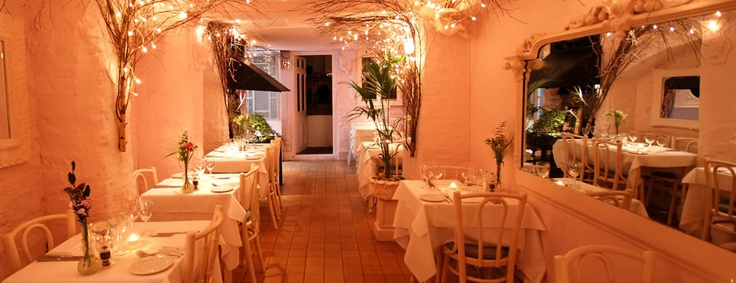 Wonderful romantic restaurant in Notting Hill / Holland Park
