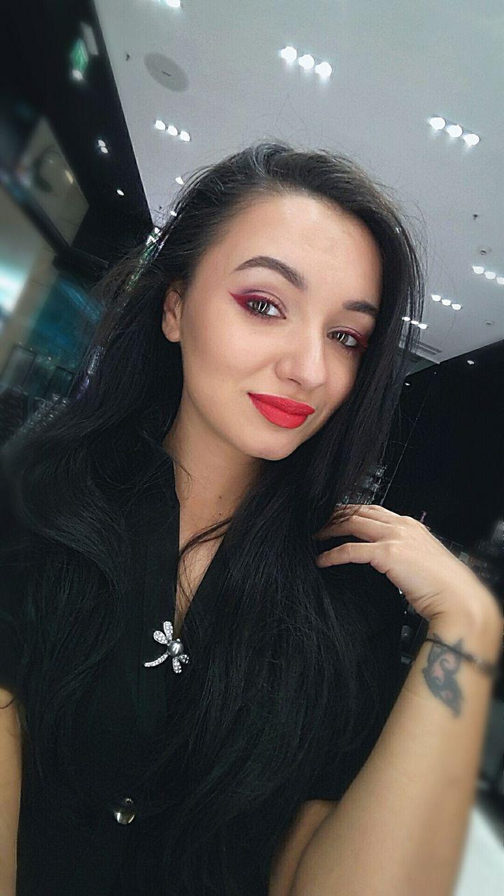 Red eyeliner Red lips