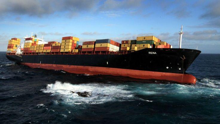 Container Ship Rena ran aground off the coast of Tauranga, New Zealand