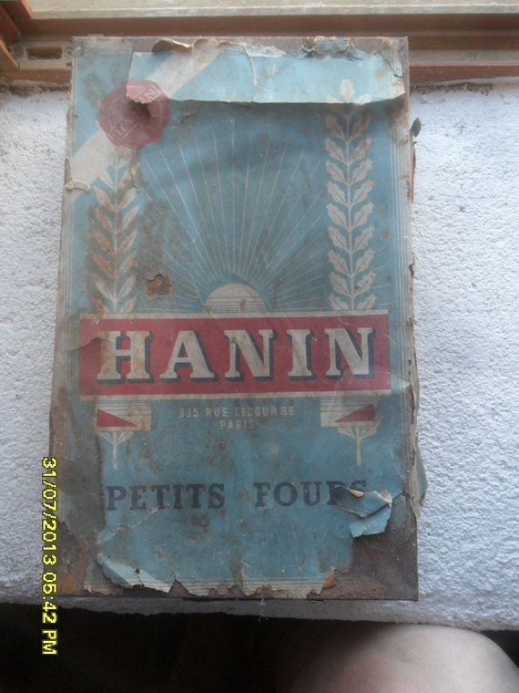 Rusty Petits Fours Tin  Hanin Paris France by TinTack on Etsy, €10.00