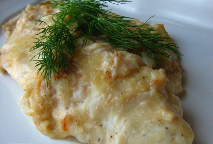 Prepara una tilapia asada a la parrilla con queso parmesano y hierbas
