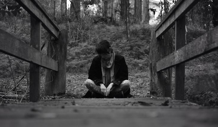 Jo Willowtails Photography. Solitary Girl. She is lonesome but happy. slrselfie.