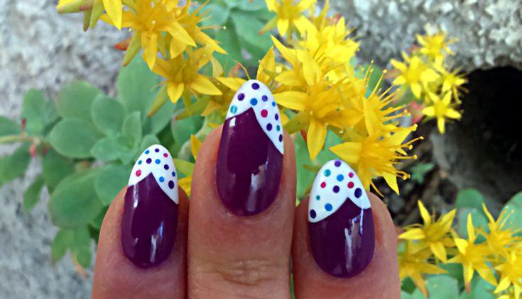 Nail art viola glassa e confetti semplice 2
