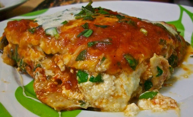 Matzo lasagna -- I make variations of this dish every Passover!: Matzo Lasagna, Food, Jewish Cooking, Dishes, Lasagna Sounds, Passover, Variations