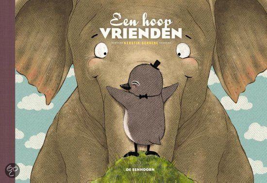 Een hoop vrienden van de Duitse illustrator en grafisch ontwerper Kerstin Schoene is een interactief boekje voor kinderen vanaf 2 jaar. Draai het boek om e