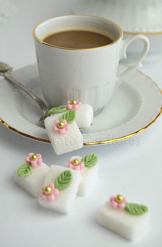DIY decorated sugar cubes