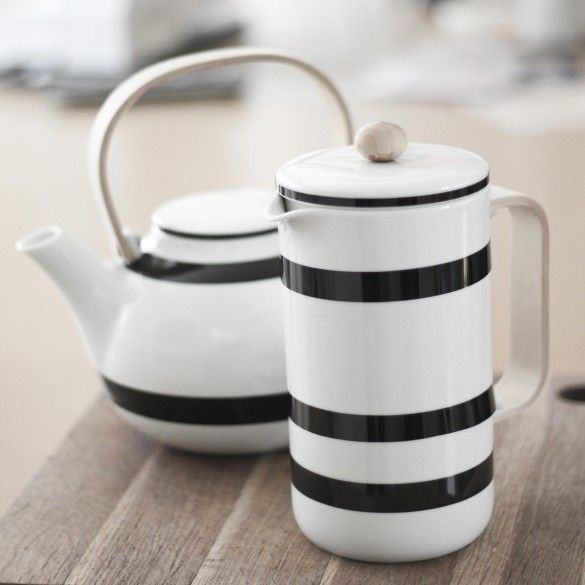 Use it for instance to serve homemade hot chocolate for the freshly made afternoon bread rolls or use it as a decorative item on your kitchen shelf.