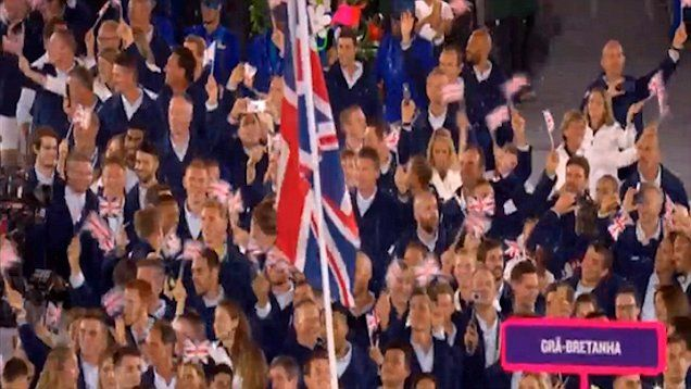 Team GB make their mark at the Olympic Opening Ceremony with flag bearer Andy Murray.