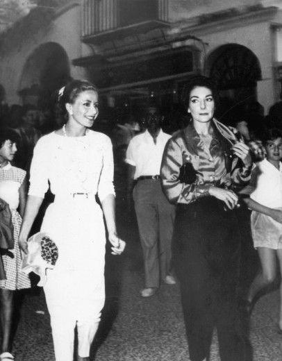 Tina Onassis, prima moglie di Aristotele, e Maria Callas, 1959