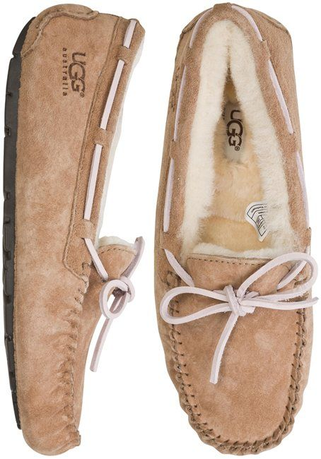 UGG Dakota Slipper. http://www.swell.com/Womens-Footwear-New-Products/UGG-DAKOTA-SLIPPER-2?cs=TO