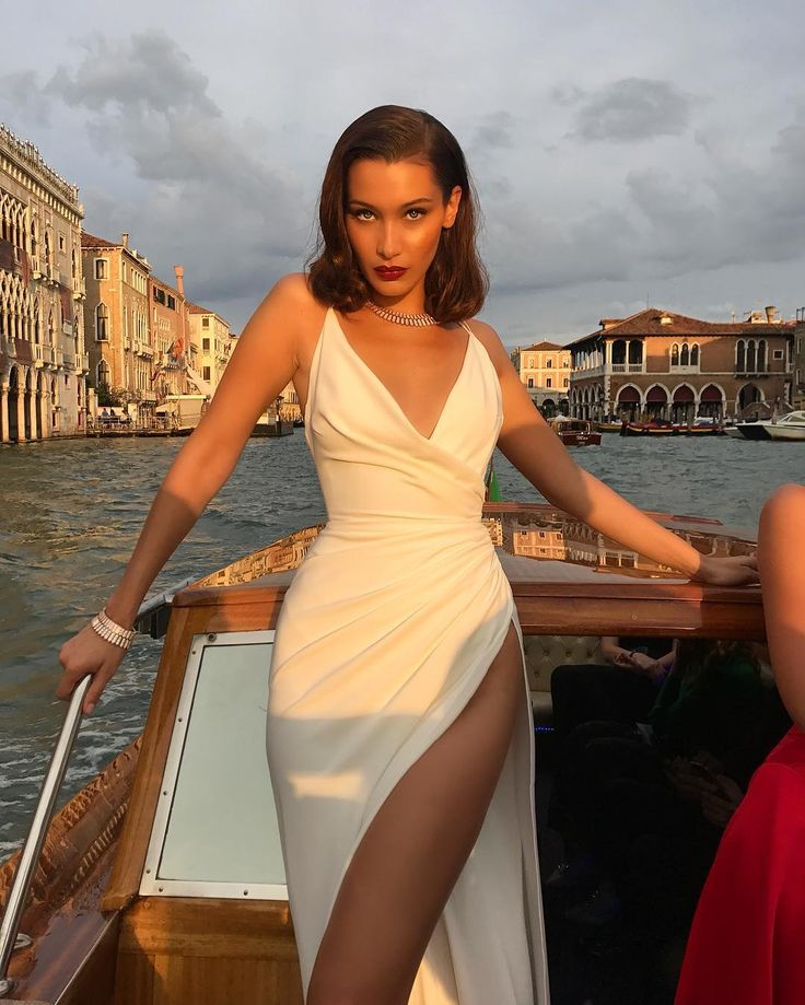 Bella Hadid Just Channelled Marilyn Monroe in a Super High-Slit Dress