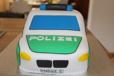 Theresas Backstube: Polizeiauto