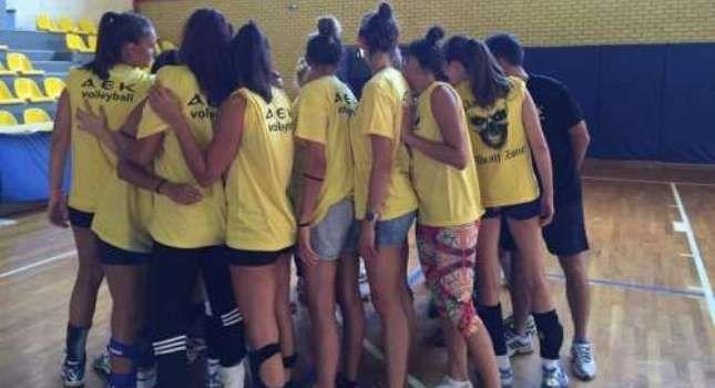 Αν και η γυναίκεια ομάδα του Μαρκοπούλου έχανε 0-1 σετ στο φιλικό προετοιμασίας με την ΑΕΚ βρήκε τρόπο να γυρίσ