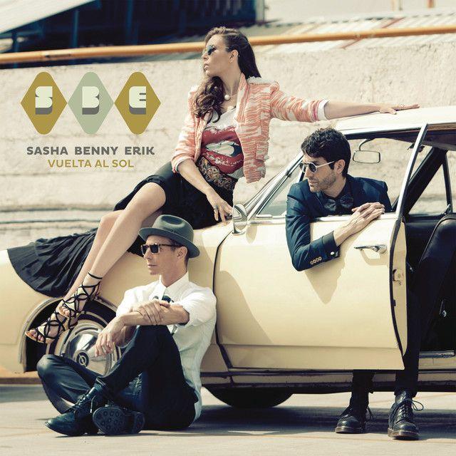 """""""Vivimos Siempre Juntos"""" by Sasha Benny y Erik was added to my Descubrimiento semanal playlist on Spotify"""