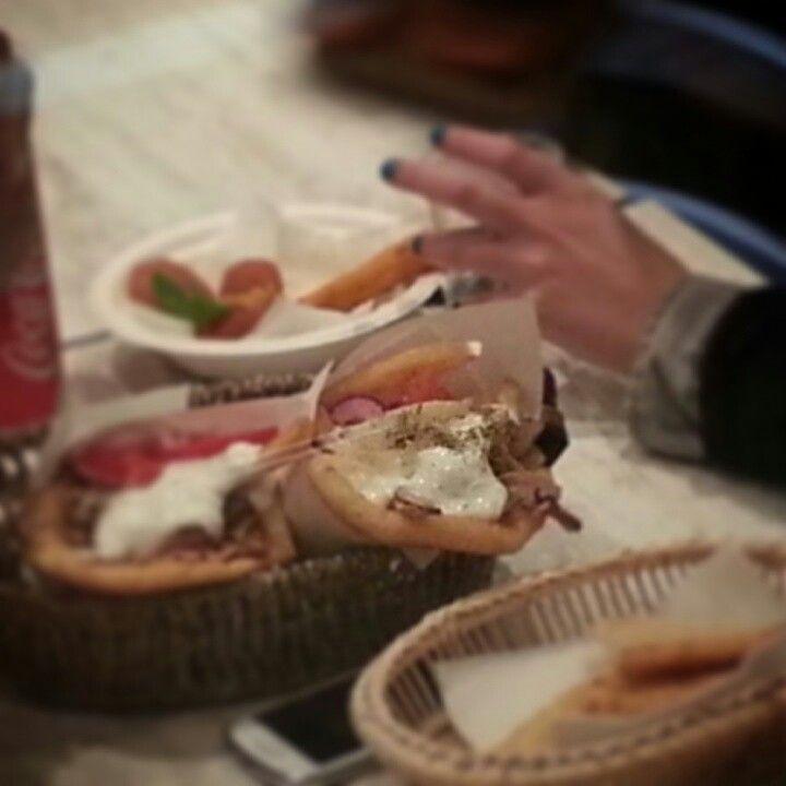 Pita gyros navigli milano #gyros #mythos #pita #gyros #milano #navigli #ristorante greco milano #pitagyros #greek fusion #ristorantegreco#greekfusion #greco