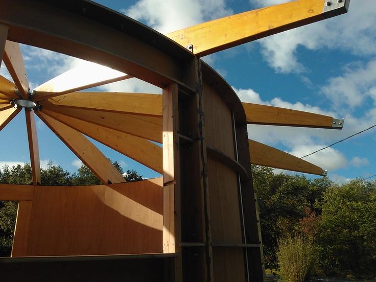 mise en place de la toiture du Wazu