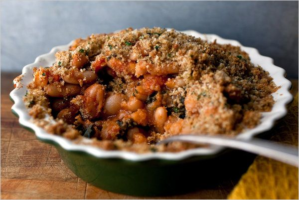 Bean and kale casserole. Sounds delicious (and fits in our Slow-Carb diet too!).