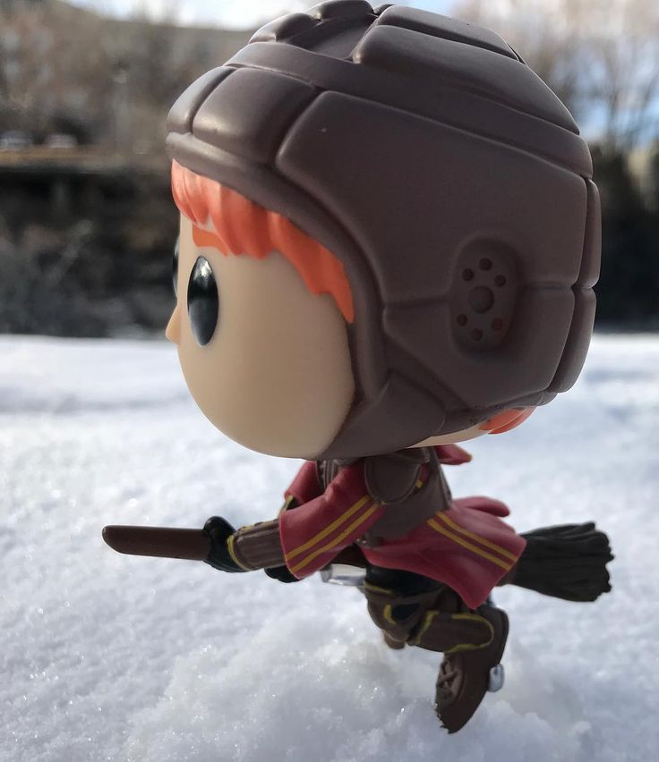Todays #FunkoFrozenFriday flies right to you from the Hogwarts Quidditch pitch. Stay frosty out there Ron! _________________________________ #ronweasly #quidditch #harrypotter #gryphindor #FunkoPop #FunkoPhotos #OriginalFunko #TopFunkoPhotos #SDGeekery #FunkoJunkie78 #PopVinyl #FunkoRockCandy#FunkoFam #FunkoFilm #FunkoTelevision #POPTelevision #FunkoComics #POPMovies #POPGames #POPAnimation #FunkoGames #FunkoAnimation #FunkoCollector #ToyPhotography #Funkofunatic #PopPixOut…