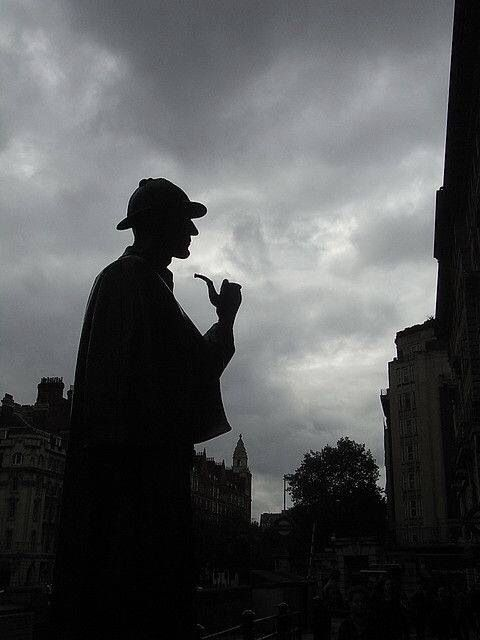 Sherlock Holmes Statue at the Baker Street Station