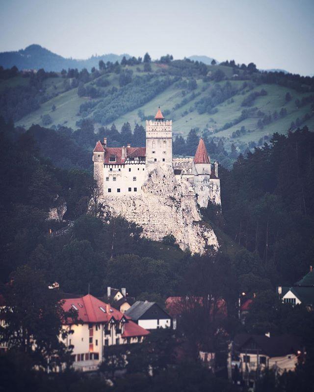Dracula Castle In Transylvania Dracula Transilvania Castles Burg Transylvania Dracula Castle Castle Transylvania