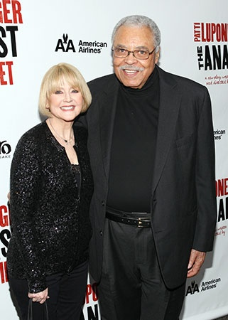 Tony winner James Earl Jones and his wife Cecilia Hart were elated to join the crowd at the opening night.© Tristan Fuge