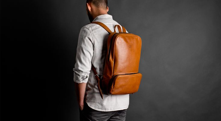 Мы создали этот рюкзак, опираясь на собственный опыт жизни в большом городе, и постарались сделать его максимально компактным и удобным для повседневного использования. Спинка рюкзака и его лямки проложены упругим материалом, что делает носку рюкзака особенно комфортной, а в специальном кармане легко умещается ноутбук диагональю до 15''. Мы долго трудились над выпуском этого изделия и постарались учесть все моменты.Надеемся, что рюкзак станет вашим надёжным спутником, где бы вы ни…