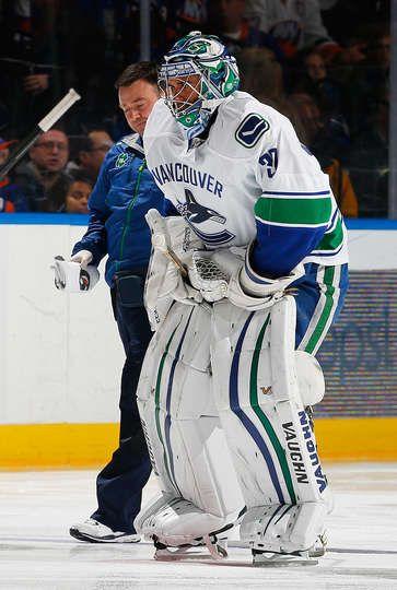 Islanders vs. Canucks - 22/02/2015 - Vancouver Canucks - Photos