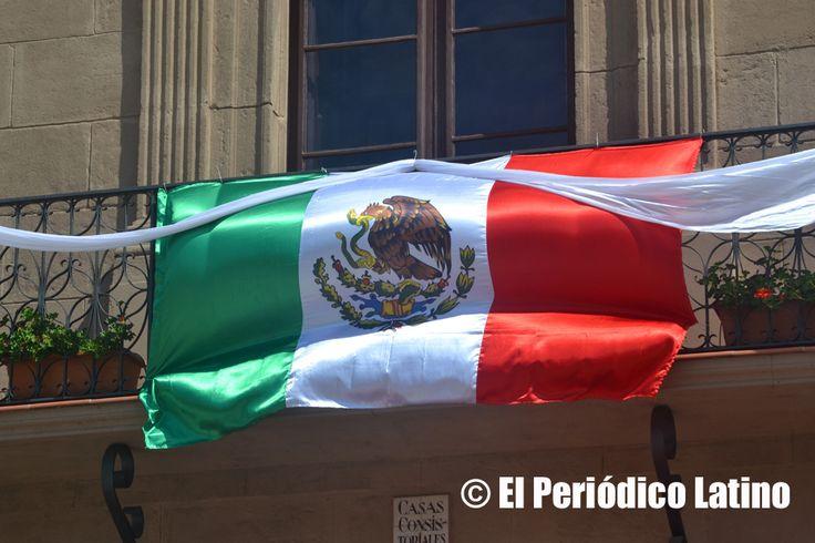 Los balcones del Pueblo Español fueron adornados con los colores de la Bandera Nacional de México. Con diferentes actividades entre las que se incluyó presentaciones musicales, recorridos grastronómicos y ventas de artesanías mexicanas se desarrolló en el Pueblo Español de Barcelona la celebración de las Fiestas Patrias de México organizado por MEXCAT.