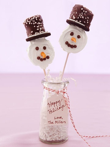 Desserts on a stick are all the rage. Kids will love decorating--and eating--our Snowman Pops made from candy-coated Oreos. http://www.parents.com/recipe/snowman-pops/?socsrc=pmmpin112812wwfSnowmanPops