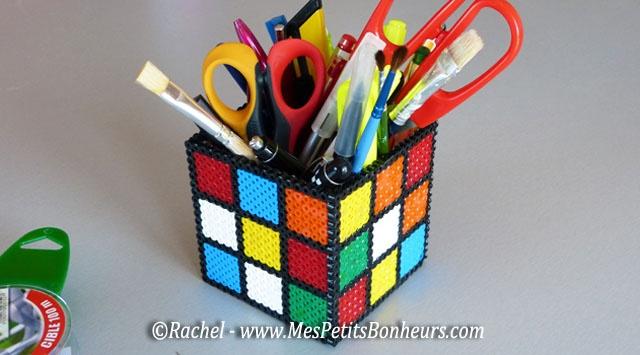 rubiks cube pot a crayon en perles hama