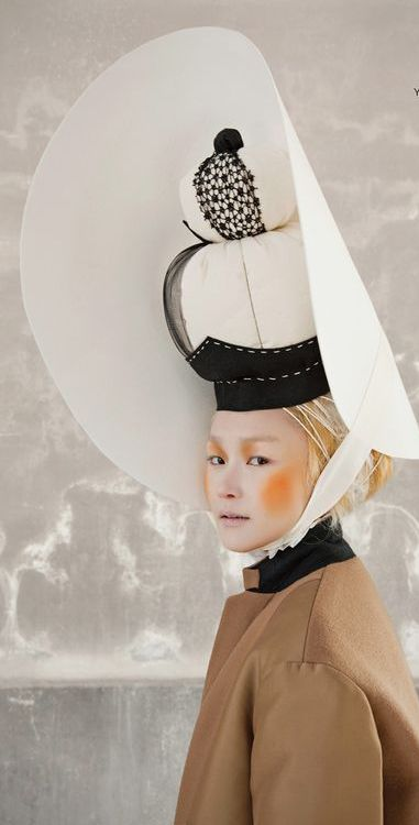 Vogue Korea, Photographer: Gu Bon-chang Stylist: Seo Young-hee