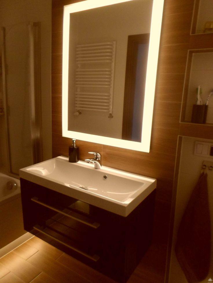 Mała łazienka  z oświetleniem LED,  led light bathroom