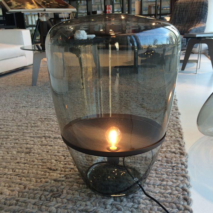 Fantastisk stor Light Bulb Lamp fra Brokis i sort. Forhandles hos House CPH, housecph