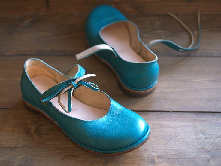 мммм )) Hand made by Ilya Kuznetsov. Синие туфли на завязках, XVI century, потайной рант, каблук