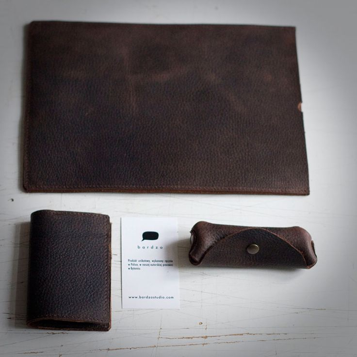 Zestaw z grubej skóry woskowanej. Etui na iPada+prosty portfel+etui na klucze.  #leather #brow #brown_leather #mens'accessories #iPad #vallet #key_case #leather_accessories