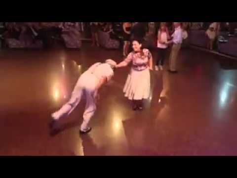 Older couple shows everyone else on the dance floor how it's done | Rare