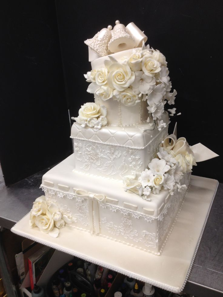 wedding cakes with bells 17 best images about hey cookie on masquerades 25978