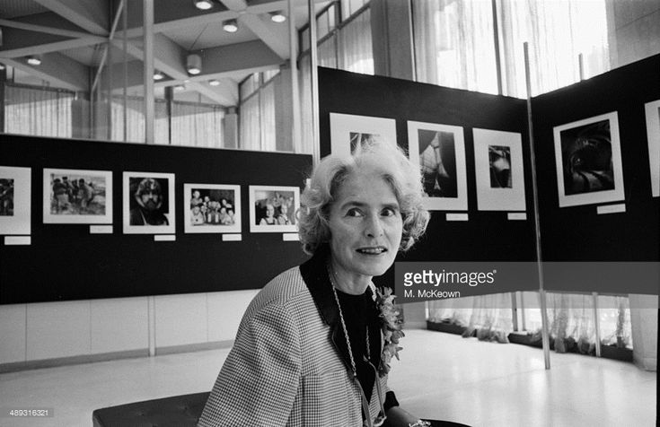 American photographer Margaret Bourke-White attending an exhibition, April 20th 1964. (Photo by M. McKeown/Express/Getty Images)