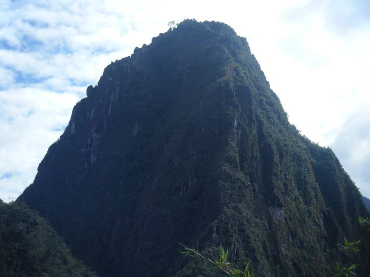 Huayne Picchu - Machu Picchu, scoperta nel 1911 da Hiram Bingham che era alla ricerca di Vilcabamba, la città perduta dove si ipotizzava erano nascoste la maggior parte delle ricchezze Inca ma scopri la città segreta che nessuno conosceva e di cui nessuno aveva mai sentito parlare.