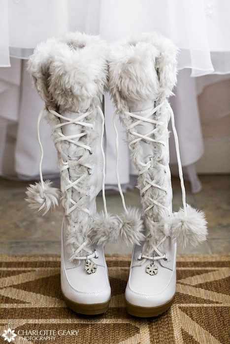 winter boots <3 Similar ones for $29 at @SPARKTREND, click the image to see! #womens #fashion #boots #shoes