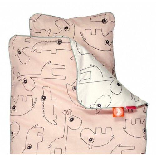 Sov dejligt i det fine Contour sengetøj fra Done by Deer. Køb online på Filur.dk. #sengetøj #baby #junior #design