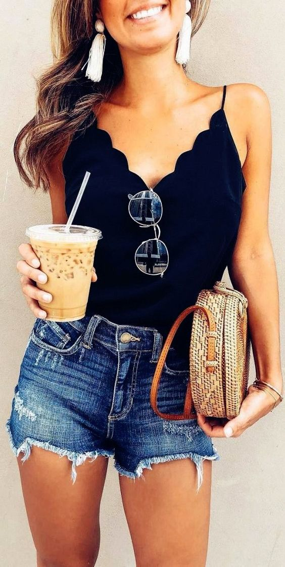 Women's Fashion Outfit Ideas 2019 – Black Top with Denim Shorts