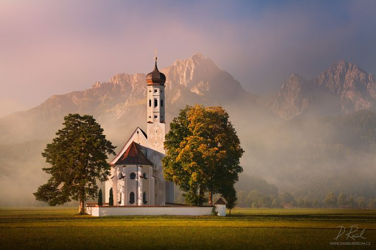 35PHOTO - Daniel Rericha - Morning near the church